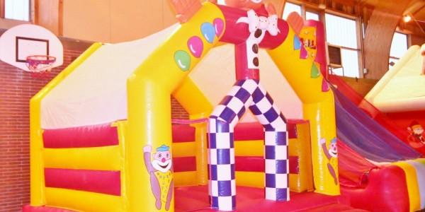 le chateau gonflable clown